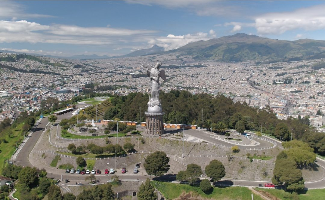 Are we smart enough? Quito´s existing urban transportation problems and their possible smart solutions